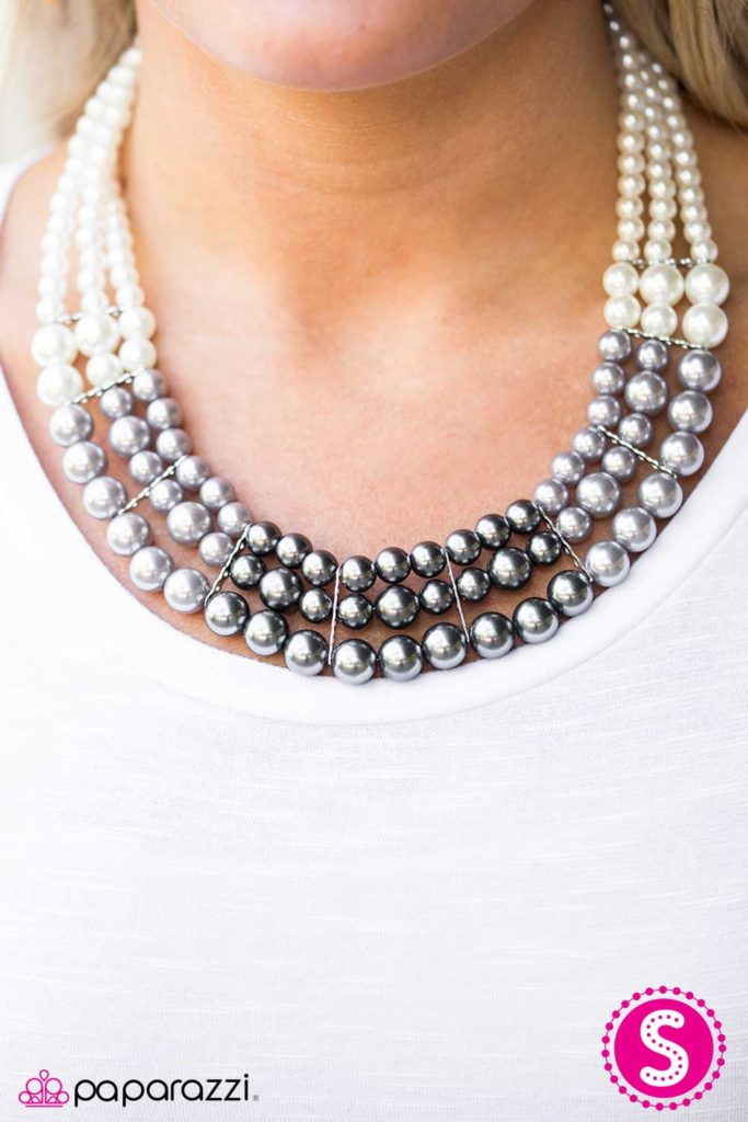 Lady in waiting - Paparazzi $5 Jewelry Join or Shop Online