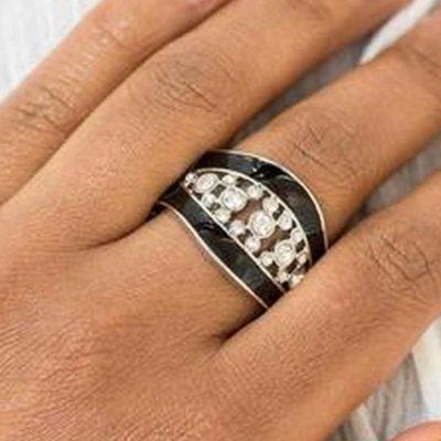Trending Treasure - Black - Paparazzi Accessories